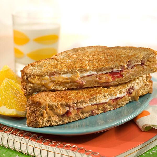 Creamy Grilled PB&J's / Krämiga, grillade jordnötssmör- och syltsmörgåsar