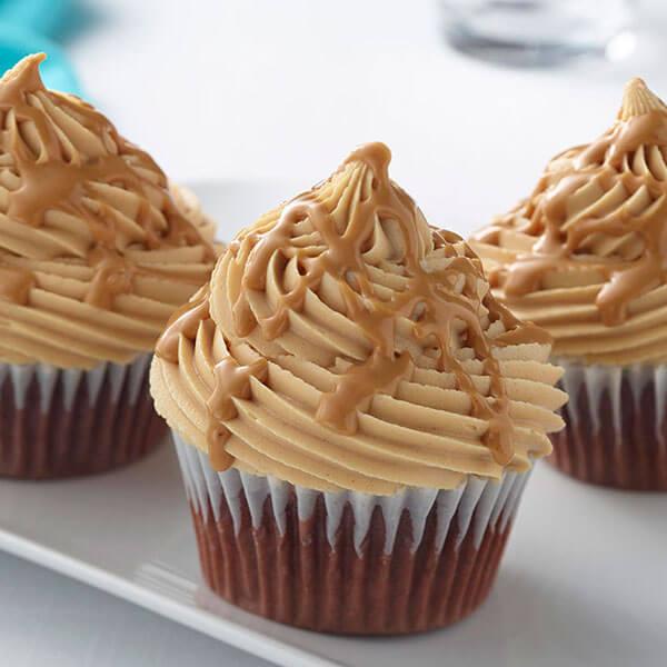 Fluffy Chocolate Peanut Butter Cupcakes / Fluffiga cupcakes med choklad och jordnötssmör