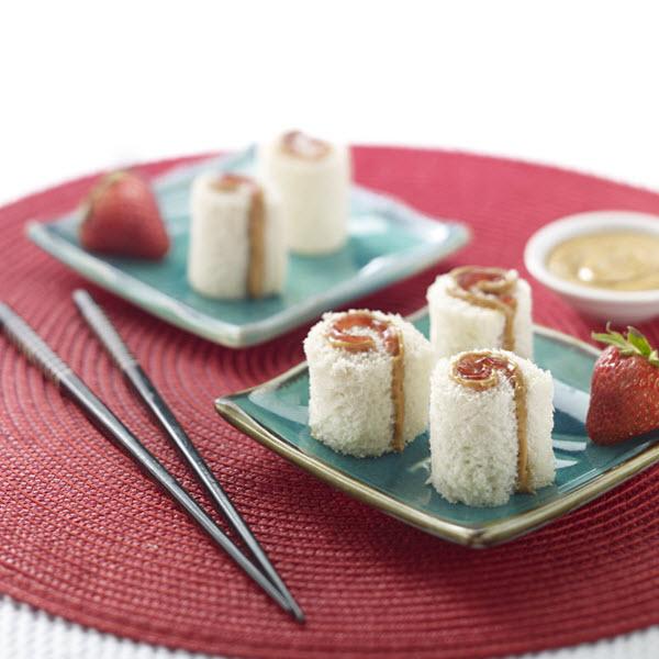"""Peanut Butter """"Sushi"""" Rolls / """"Sushi""""-rullar med jordnötssmör"""